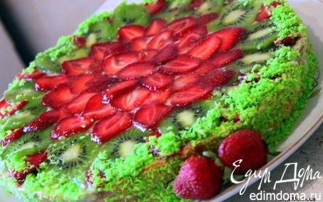Рецепт Летний торт с сочным киви и клубникой