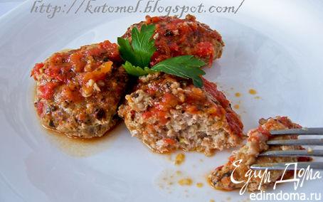 Рецепт Кабачково-мясные котлеты в томатном соусе