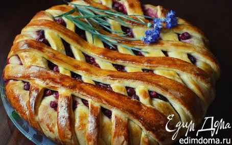 Рецепт Пирог с вишней и смородиной (дрожжевое тесто на кефире)