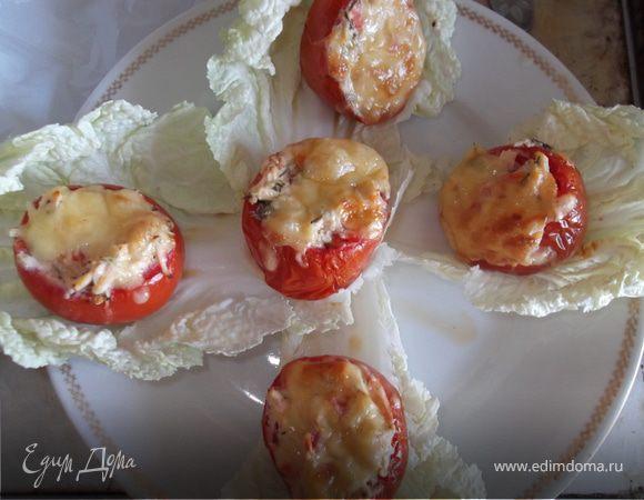 Горшочки из помидоров, фаршированные куриной грудкой
