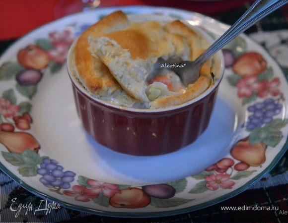 Куриный пирог в горшочках