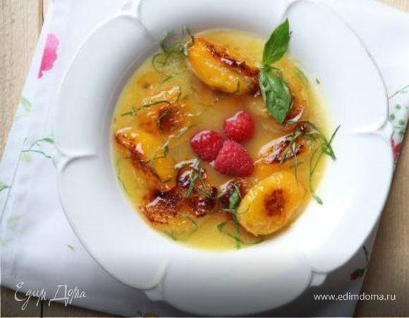 Ананасовый суп с абрикосами и базиликом
