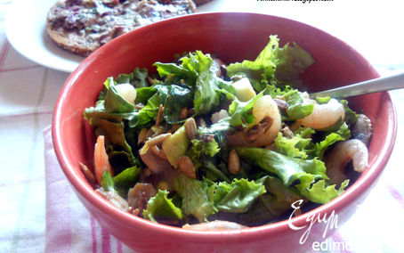 Рецепт Салат с креветками, шампиньонами и авокадо