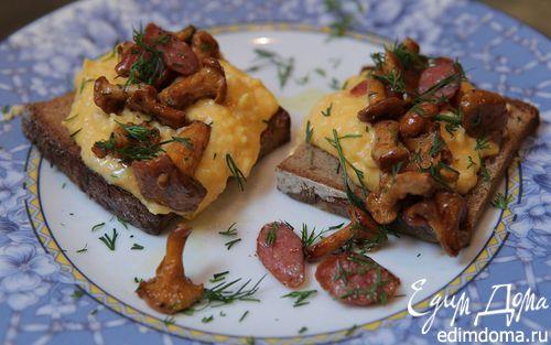 Рецепт Омлет с грибами и охотничьими колбасками
