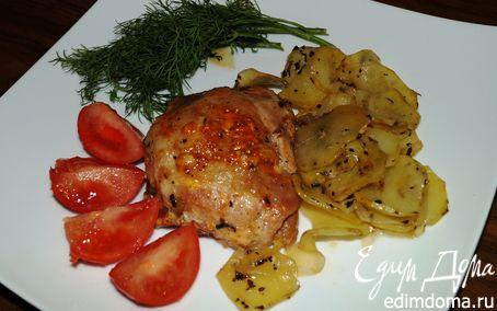 Рецепт Куриные бедрышки с ароматными картофельными ломтиками