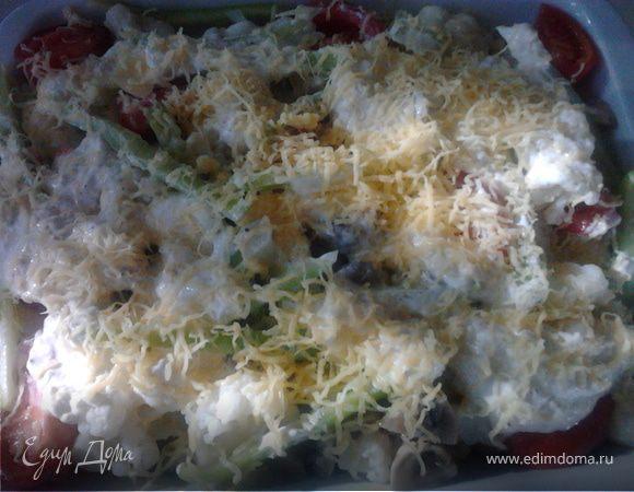 Цветная капуста с шампиньонами в сливочно-сырном соусе
