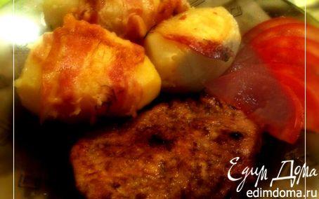 Рецепт Пряное мясо с запеченным в беконе картофелем в мультиварке