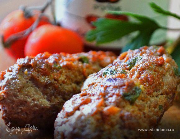 Говяжьи кебабы с соусом из вяленых томатов