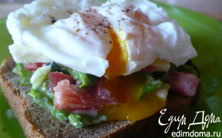 Рецепт Бутерброд с яйцом пашот и овощами