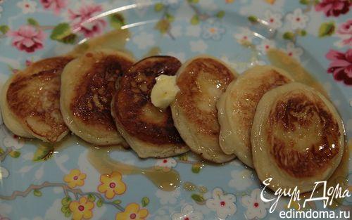 Рецепт Кефирные оладушки с кленовым сиропом