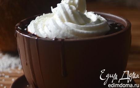 Рецепт Кокосово-ванильный горячий шоколад со взбитыми сливками