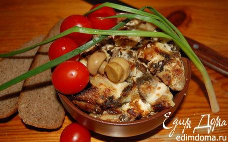 Рецепт Картофель по-деревенски, запеченный с печенью, грибами, луком и сметаной
