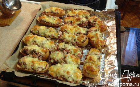 Рецепт Горячий багет с ветчиной и грибами