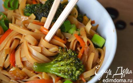 Рецепт Нудлс (яичная лапша) с овощами и соевым соусом