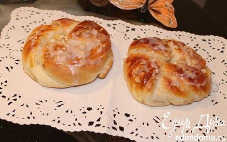 Рецепт Плюшки с яблоком и сгущенкой