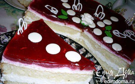 Рецепт Бисквитный торт-суфле с малиновым желе