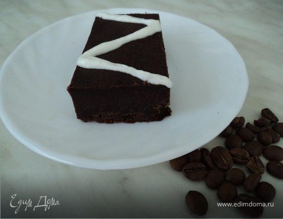 """Пирожное """"Черный шоколад"""" со взбитыми сливками"""