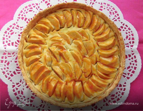 Ароматный яблочный пирог с творожным кремом