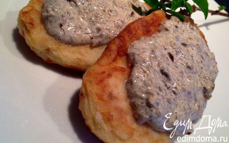 Рецепт Картофельные котлеты со сливочно-грибным соусом