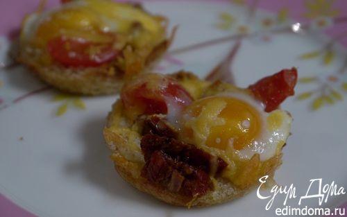 Рецепт Хрустящие корзиночки с помидорами и перепелиными яйцами