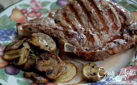 Рецепт Рибай стейк с грибами и луком
