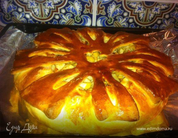 Пирог с ябоками и корицей