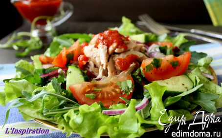 Рецепт Салат с курочкой и соусом Сацебели