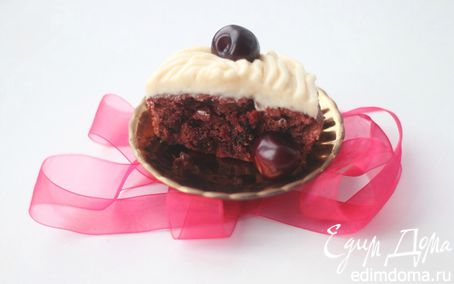 Рецепт Шоколадные мини-кейки с черешней