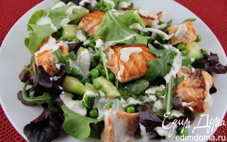 Рецепт Летний салат с лососем и зелеными овощами