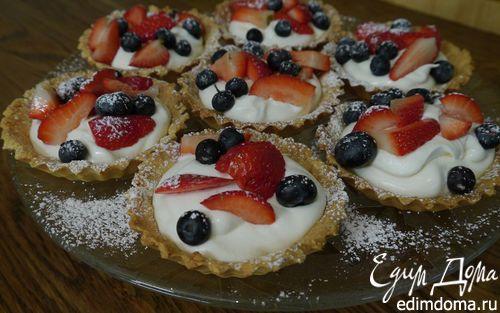 Рецепт Тарталетки с ягодами и взбитыми сливками