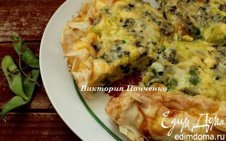 Рецепт Воздушный пирог с луком-пореем и голубым сыром
