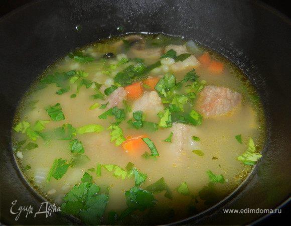 Богатый ароматный перловый суп с говядиной