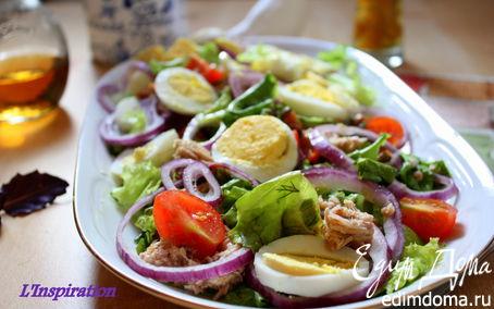 Рецепт Салат с тунцом и яйцами с пикантной заправкой
