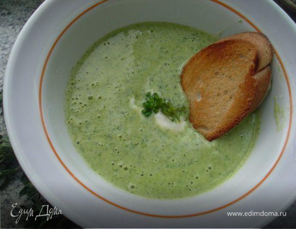 Суп-пюре из брокколи с сырным сливочным соусом