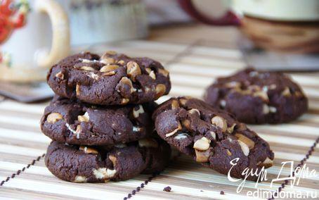 Рецепт Шоколадное печенье с орехами кешью и белыми каплями
