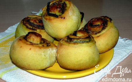 Рецепт Пикантные булочки с начинкой из песто и баклажанов