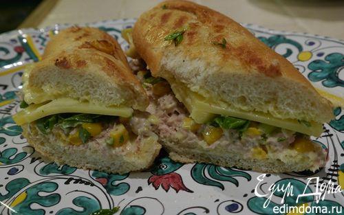 Рецепт Горячий бутерброд с тунцом, кукурузой и домашним майонезом