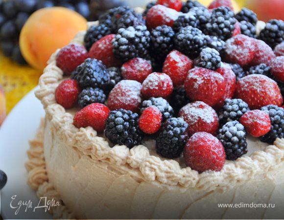 Торт «День семьи» на основе грушево-шоколадного бисквита