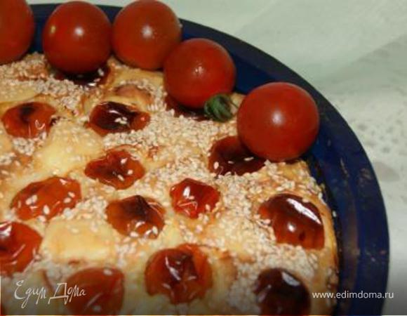 Пирог с ветчиной, сыром и помидорами
