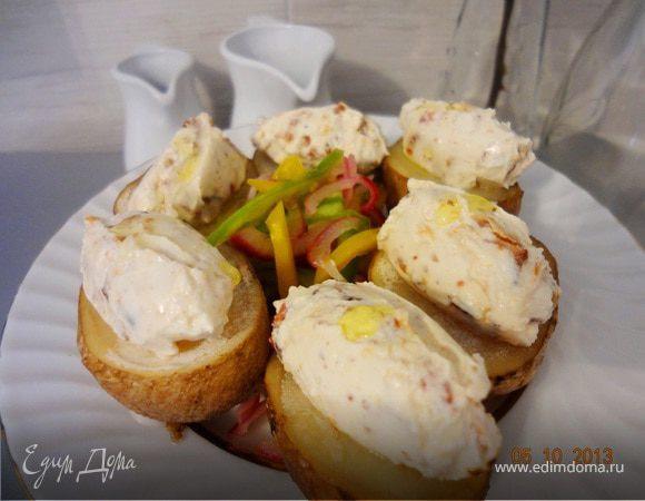 Картофельные кростини со сливочным сыром и беконом