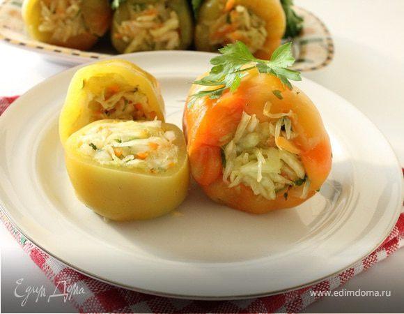 Квашеный болгарский перец, фаршированный овощами