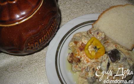Рецепт Кролик с грибами в сметанном соусе в горшочке