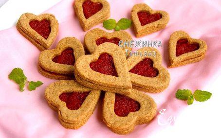 Рецепт Хрустящее полезное печенье с джемом из вяленой вишни
