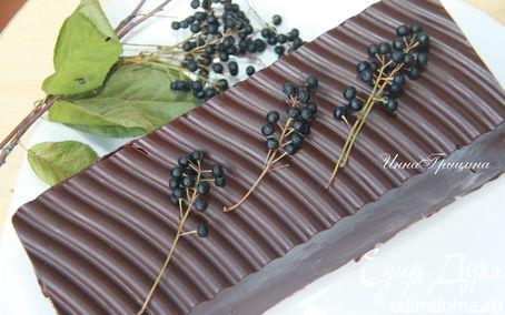 Рецепт Черемуховый торт в шоколаде с чернично-сливочным кремом
