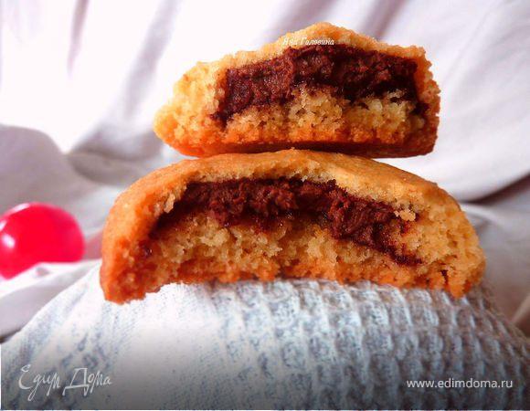 Ванильное печенье с шоколадно-ореховой начинкой