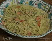 Спагетти с копченой форелью и джином