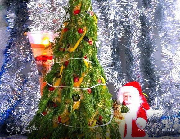Закусочный торт «Новогодняя елка» из профитролей и сливочного крем-мусса с семгой