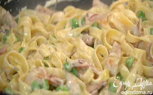 Рецепт Тальолини с зеленым горошком, грибами и беконом