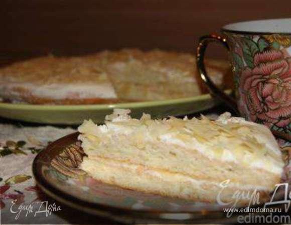 Миндальный пирог со сметанным кремом