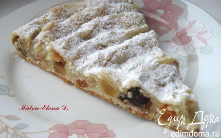 Рецепт Кольцевой пирог с айвой, сухофруктами и орехами